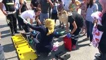 Vatandaşlar yaralı başında şemsiye nöbeti tuttu