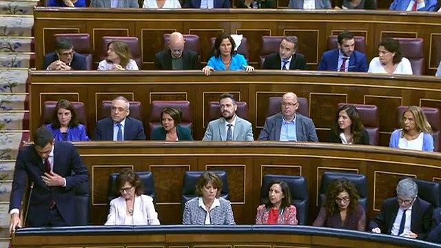 El presidente del @PPopular, @pablocasado_, pide al presidente del Gobierno, @sanchezcastejon, que valore la situación política y económica de España