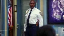 Brooklyn Nine-Nine S01E22 - Charges and Specs