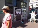 Chambéry : trois vitrines de banques repeintes par les militants d'Attac