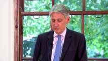 Philip Hammond: No deal would be 'extremely costly' for UK
