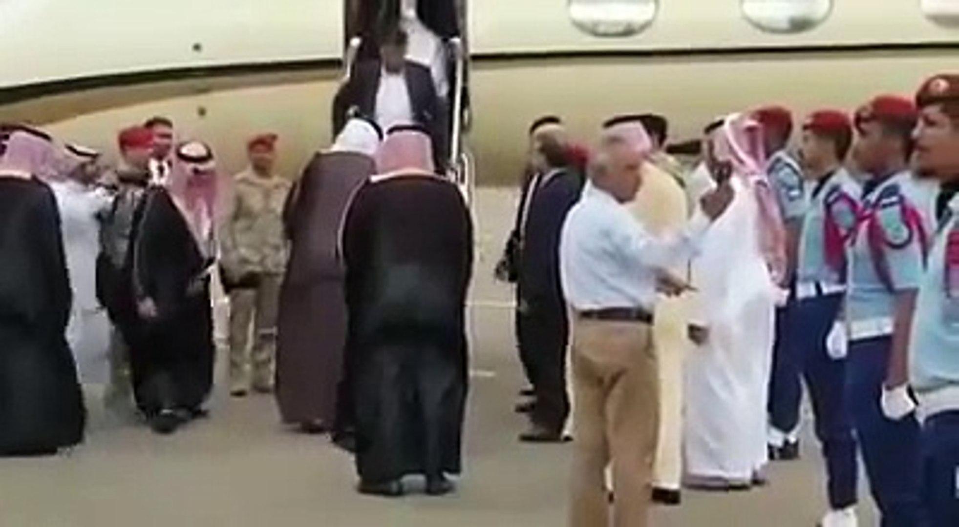 Prime Minister Imran Khan arrived in Saudi Arabia - Imran Khan Visit Saudi Arabia - Imran Khan Umrah