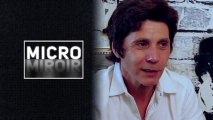 Micro miroir -Les passants vont-ils reconnaître Jean-Luc Lahaye ?