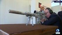 Vladimir Poutine se glisse dans la peau d'un tireur d'élite pour tester un nouveau fusil