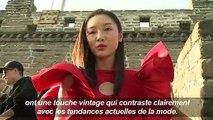 Défilé Pierre Cardin sur la Grande Muraille de Chine