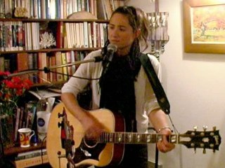 KT Tunstall - Gone To The Dogs