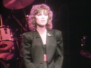 Pat Benatar - We Live For Love