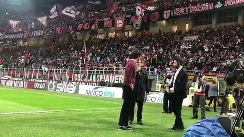 San Siro esplode per il ritorno di Kakà al Milan