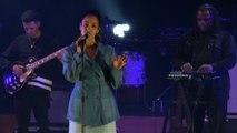 Jorja Smith - Blue Light (Live)