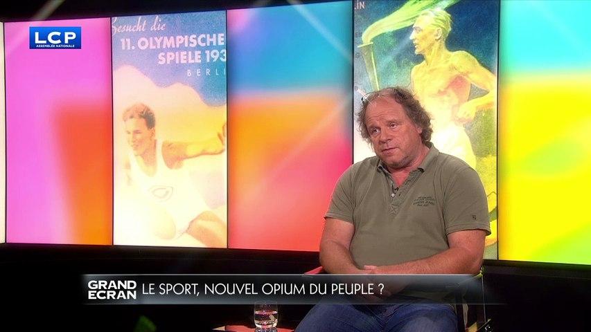 Le sport, nouvel opium du peuple ?