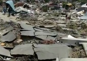 Sections of Palu Remain Covered in Debris Following Devastating Earthquake