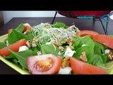 Receta para preparar ensalada con jitomates, queso feta y pesto de alcachofa