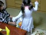 Sumire et Iris dansent.