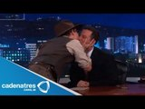 Johnny Depp besa en la boca a su entrevistador (VIDEO) / Johnny Depp mouth kisses her interviewer