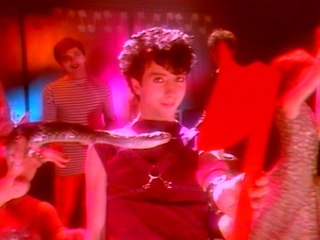 Soft Cell - Entertain Me