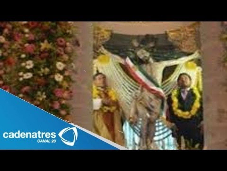 Colocan banda presidencial a Cristo de Ixmiquilpan / Cristo con banda presidencial