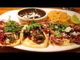 Cómo preparar Tacos de carnitas de atún con salsa de chapulines / Receta car