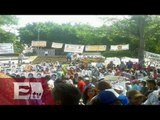 Marchan en Acapulco por los Normalistas de Ayotzinapa / Paola Virrueta