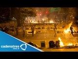 Oposición venezolana denuncia represión policiaca en las calles; continúan protestas contra Maduro