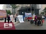 Manifestantes bloquean carriles centrales de Paseo de la Reforma / Vianey Esquinca
