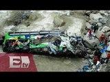 Accidente de autobús en Perú deja 17 muertos /  Titulares de la tarde