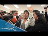 Regresa a México el joven que interrumpió en la entrega de Premios Nobel