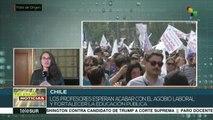 Profesores de Chile toman las calles en paro nacional