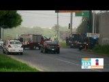 Taxistas se agarran a golpes y queman sus carros | Noticias con Francisco Zea