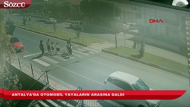 Antalya'da otomobil yayaların arasına daldı 1'i ağır 3 yaralı