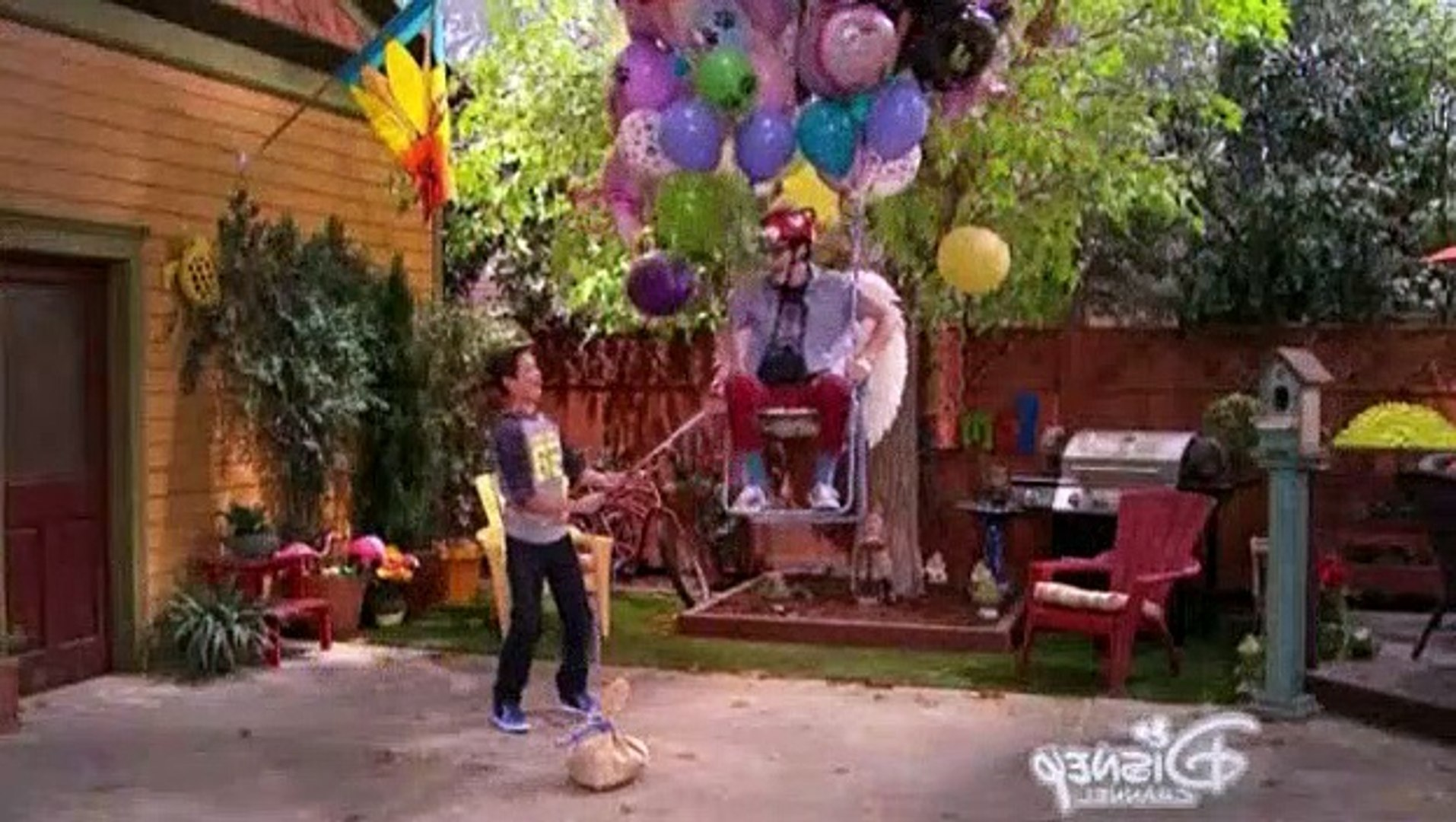 Liv And Maddie S02E23 - SPARF-a-Rooney
