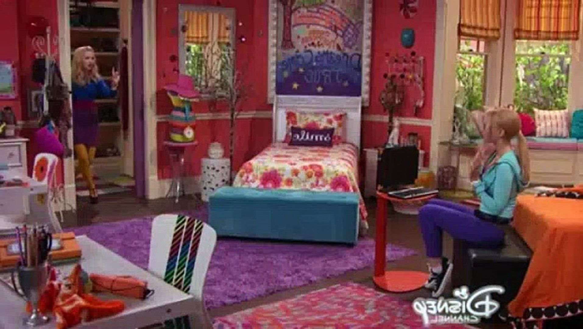 Liv And Maddie S02e13 Gift A Rooney