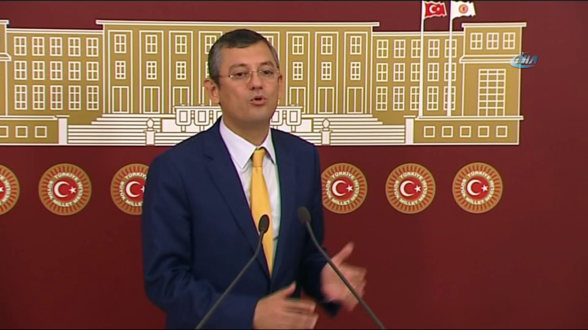 CHP Grup Başkanvekili Özgür Özel: ' Yeni kombini dikkatle takip ediyoruz'