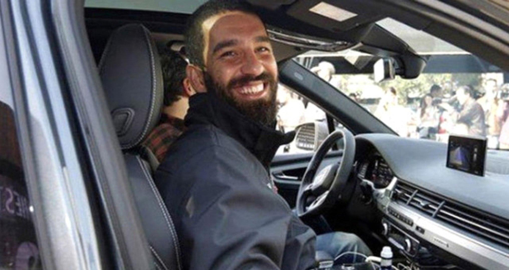 Arda Turan'ın İşten Çıkardığı Şoför Dava Açtı: Beni Başka Şirketten Sigortalı Gösterdi
