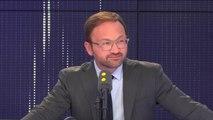 """Remaniement : la majorité doit s'ouvrir """"au centre droit comme au centre gauche"""" estime Patrick Mignola, député MoDem"""
