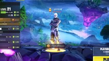 2 Skull Troopers and 1 Game Breaking Glitch (Fortnite)