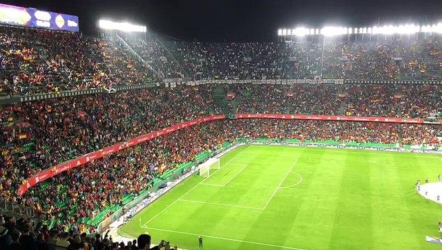 Pitos al himno de Inglaterra durante su encuentro con España