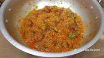 Lauki Kofta Recipe - Kaddu Kofta Curry Recipe - Bottle Gourd Kofta Curry - Village Food Secrets