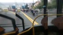 Okmeydanı'nda Metrobüs Kaza Yaptı. Kaza Nedeniyle Metrelerce Uzunluğunda Metrobüs Kuyruğu Oluştu.