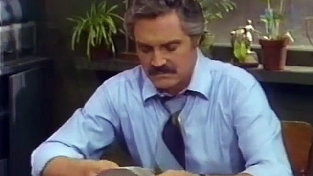 Barney Miller S05E18 Middle Age