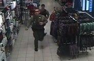 Des policiers sauvent un bébé qui ne respirait plus dans un centre commercial !