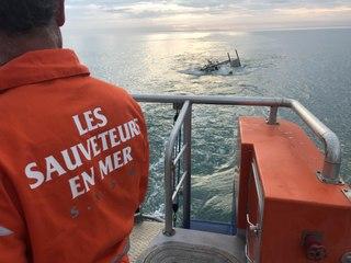 SNSM Cap d'Agde: Le sauvetage d'un marin-pêcheur et de son navire chaviré.