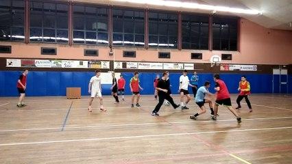 Ca vous dit un jeu avec les -19 ans masculins de Mayenne Handball