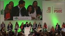 Pedro Sánchez y Susana Díaz escenifican su unidad en Sevilla.