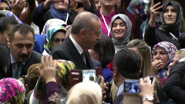 Cumhurbaşkan Erdoğan:' AK Parti çatısı altında siyaset yapan tüm kadınlarımıza buradan teşekkür ediyorum' - ANKARA