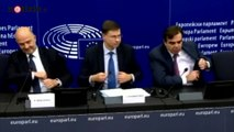 Eurodeputato della Lega calpesta gli appunti di Moscovici   Notizie.it