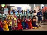 مهرجان الرقص الهندي في مطار القاهرة |  شاهد الفرقة تنتظم عشان تاخد صورة جماعية