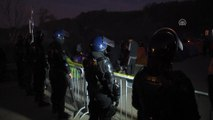 Sığınmacıların AB kapısındaki bekleyişi sürüyor - VELİKA KLADUSA