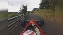 Impressionnant : ce pilote de course bat le record d'un circuit