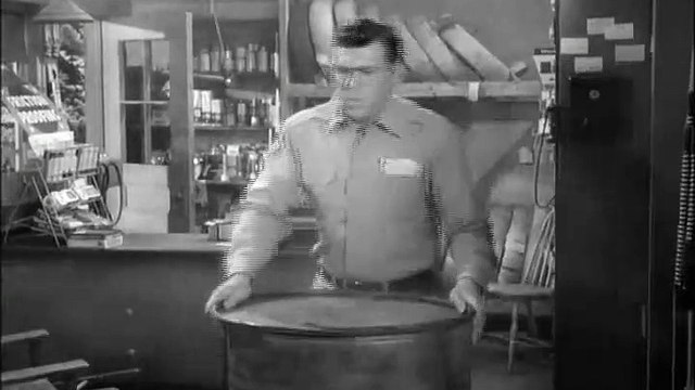 The Andy Griffith Show S04 E23 - Andy Saves Gomer