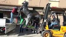 Hurda malzemeden yapılan at heykeli Ankara'da sergilenecek